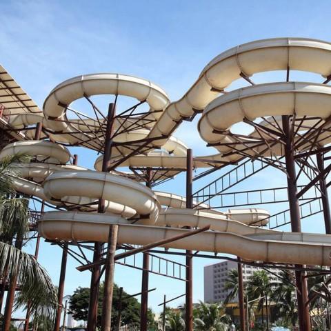 Imagem representativa: Conheça em Olímpia o Parque Aquático Hot Beach | Reserve Agora
